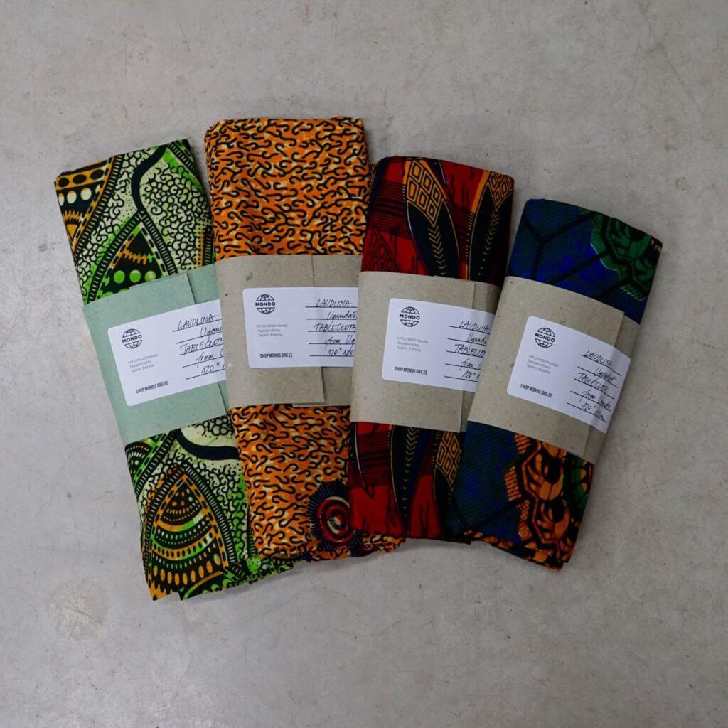 Laudlina Ugandast keskmine Tablecloth from Uganda medium Mondo