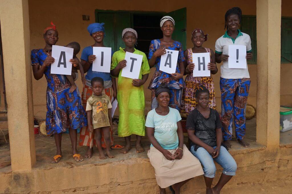 Eesti küla naised Ghanas Mondo