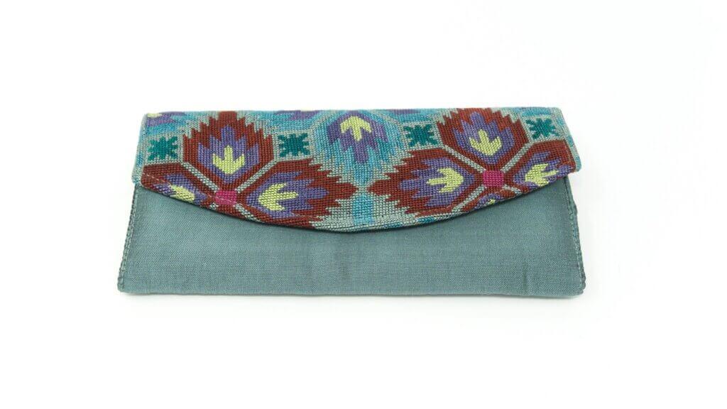 Toorsiidist rahakott Silk embroidered purse